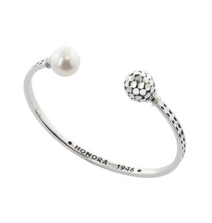 Honora cuff in silver with pearls