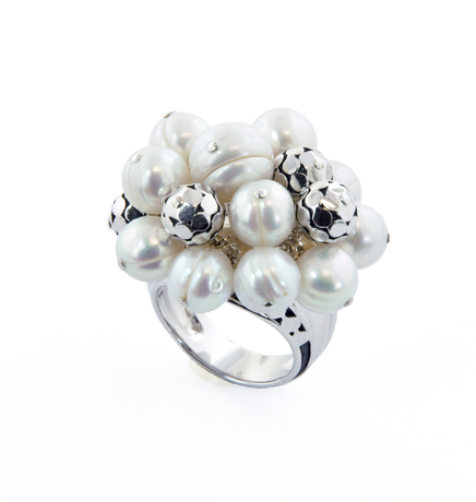 Honora ring in silver with pearls