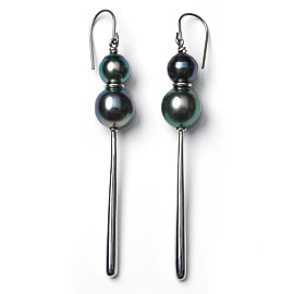 Tahizea silver and pearl earrings