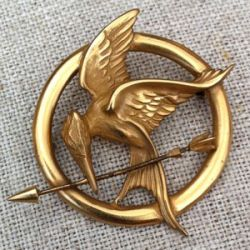 Ohio Jeweler Designs Mockingjay Pin for 'The Hunger Games'