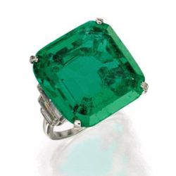 Brooke Astors 22.84 Carat Engagement Ring Sells for $1.2 Million at Sothebys