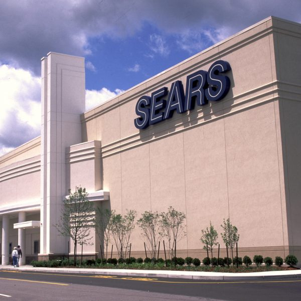 Sears to slash 400 jobs in effort to cut costs