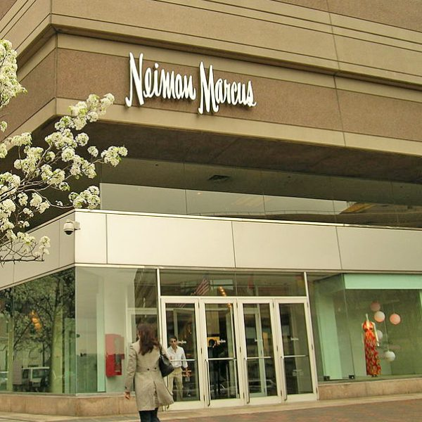 Upscale retailer Neiman Marcus posts 4th straight quarterly loss