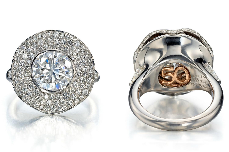 Ballerina-Style Ring with 199 diamonds and round diamond center