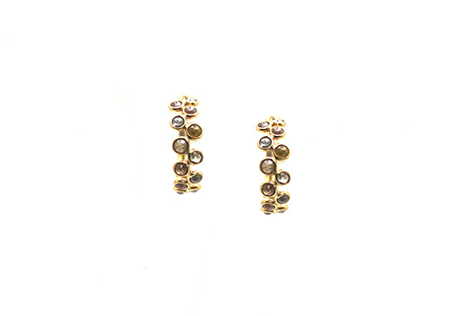 Small hoop earrings in gold with diamonds by Tresor