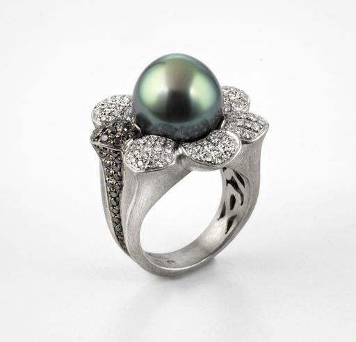 Alishan palldium, diamond, and Tahitian pearl ring