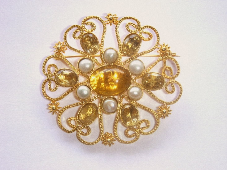 Indo-American amber and pearl filigree brooch