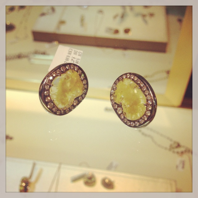 Vivaan by YNY slice earrings