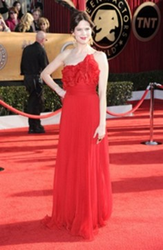 2010-sag_marianaklaveno-red-gown-orange-tourmaline.jpg