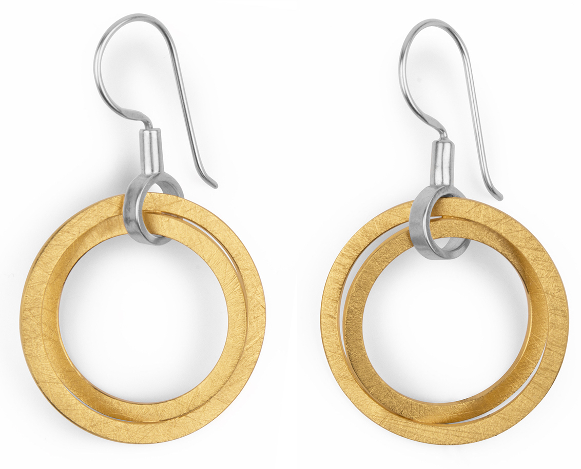 Marcin Zaremski two-tone circle earrings | JCK On Your Market