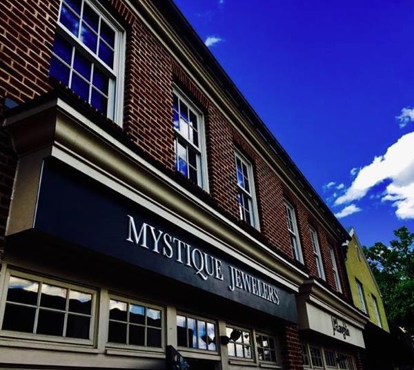Jeweler Mystique Opens Equestrian-Themed Store In Virginia
