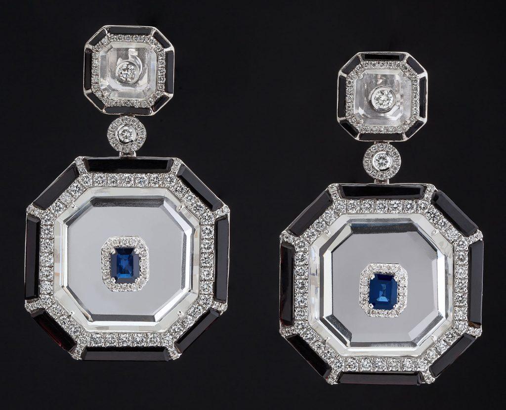 Deco-inspired earrings