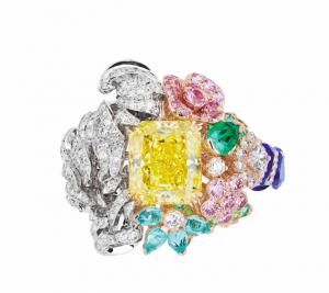 Dior à Versailles, côté Jardins yellow diamond Grand Canal ring
