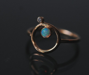 Orbitus ring with diamond and opal