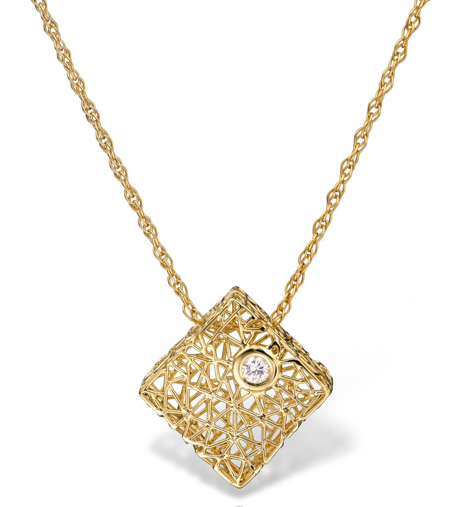 Square necklace in 18k yellow gold