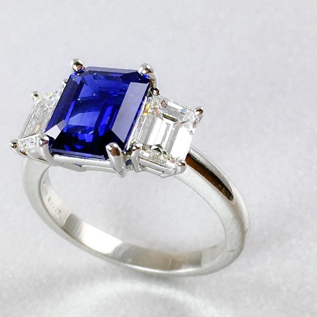 Sunabros sapphire engagement ring