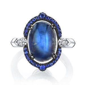 Omi Privé Monaco ring with royal blue moonstone