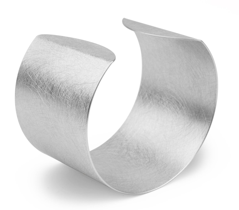 Zaremski cuff bracelet   JCK On Your Market