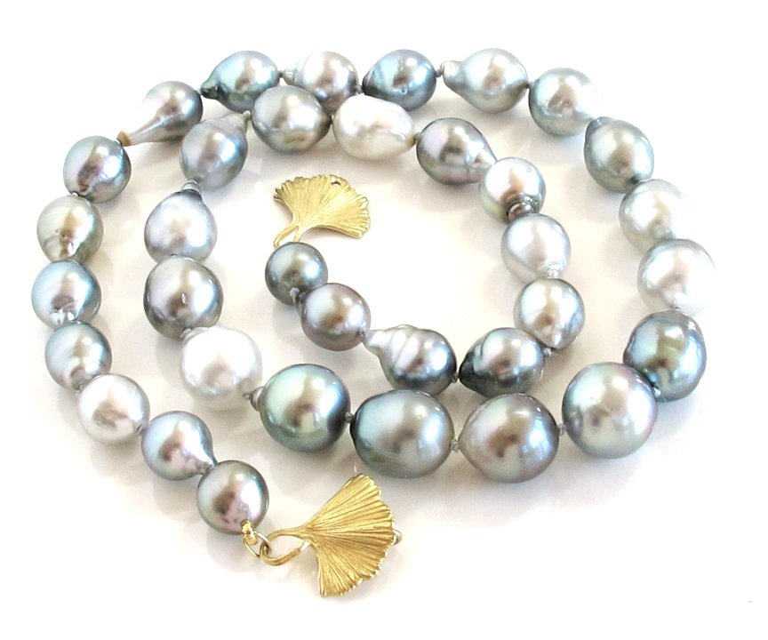 Silver gray Tahitian baroque pearl necklace