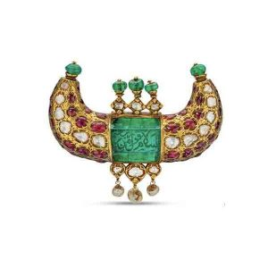 Mughal era gold horn pendant