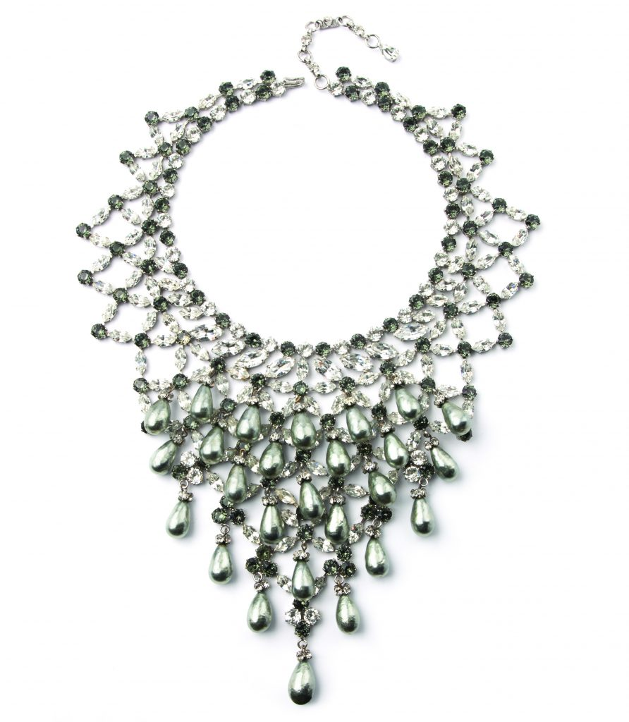 Schreiner-Bib-Necklace-Costume-Jewelry