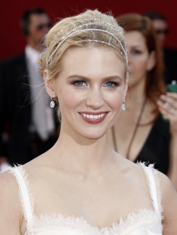 January Jones Kwiat Necklace 2008 Emmys via ganoskin.com