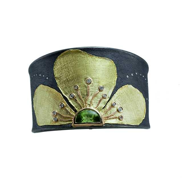 Alishan Peridot cuff