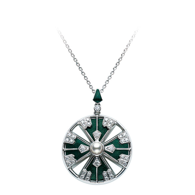 Mikimoto YAGURUMA Green Enamel Pendant