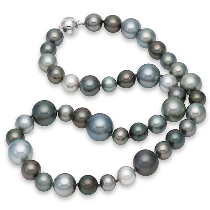Mastoloni Viva gray pearl necklace