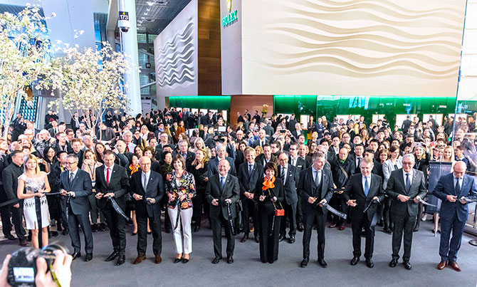 2018 baselworld ribbon cutting