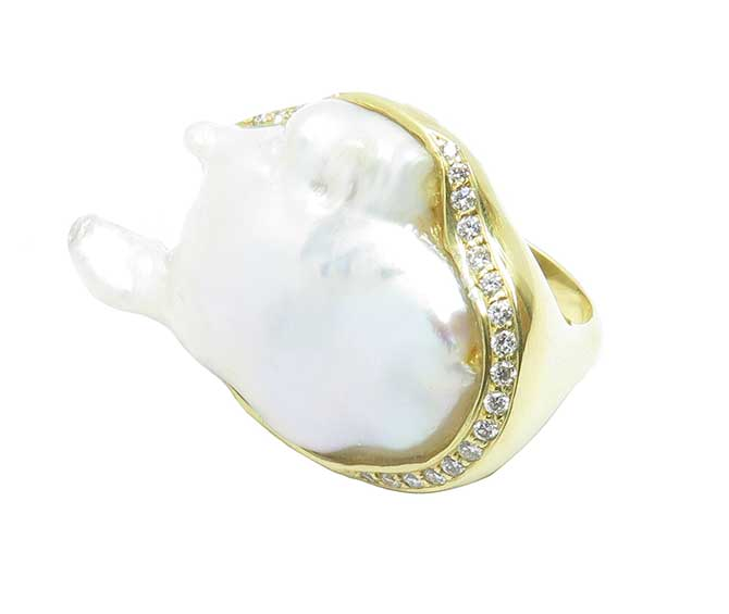 Samira 13 sliced baroque pearl ring