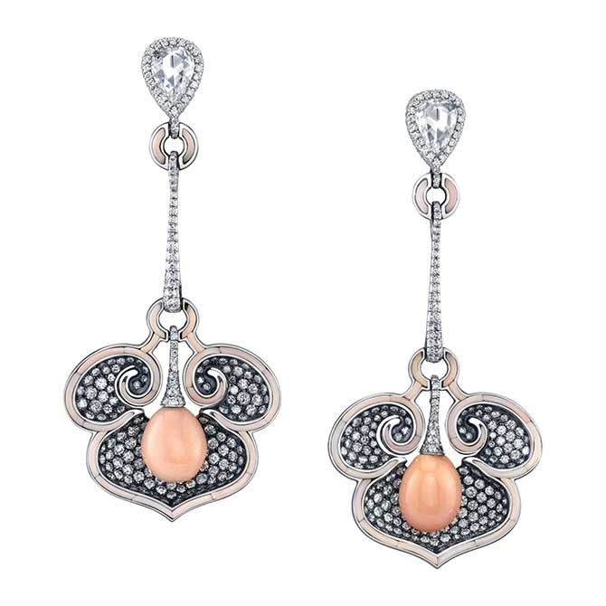 Arunashi conch pearl earrings