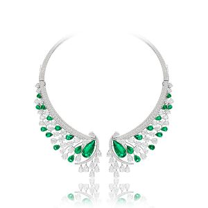 Sutra emerald necklace