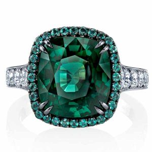 Omi Prive green sapphire ring