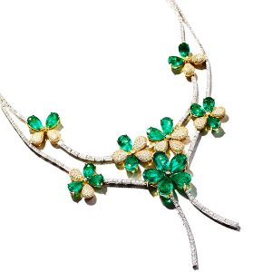 le vian emerald necklace