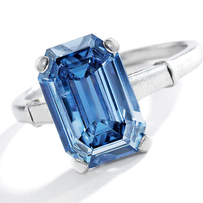 record blue diamond ring