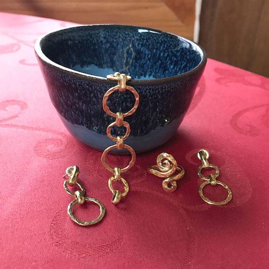 Hammered green gold earrings ring bracelet