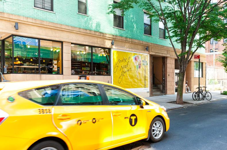 Kendra Scott mural taxi