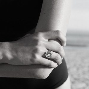 Solana as stacked ring set