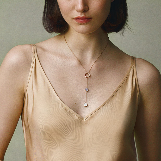 TARA Lucine as necklace