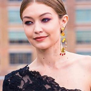 Gigi Hadid Stacey Lee Webber jewelry Oscar de la Renta