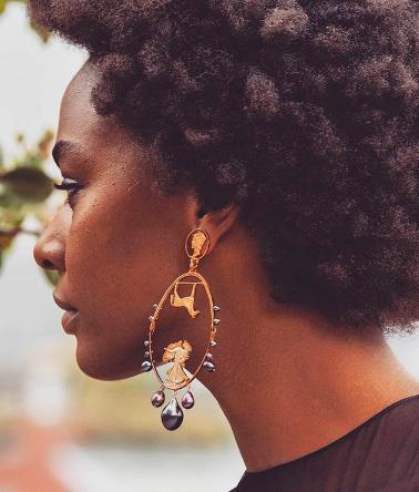 Model Oscar de la Renta Stacey Lee Webber earring