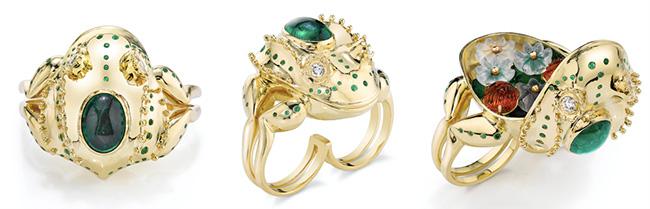 Daniela Villegas frog ring