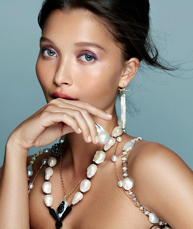 Model in baroque pearls