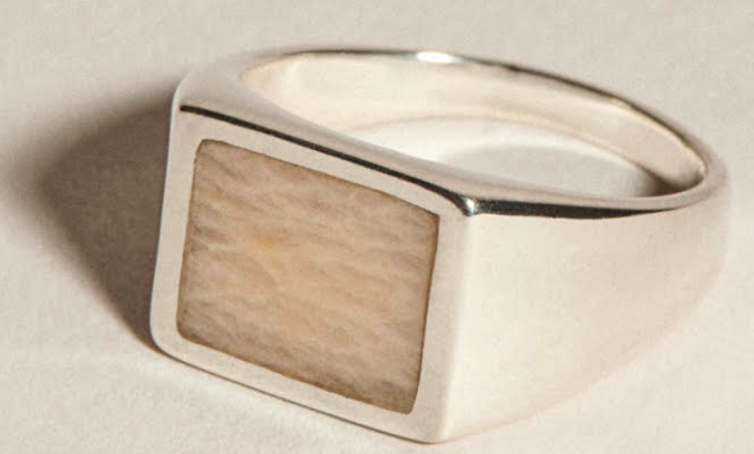 J Hannah signet ring rectangle