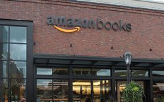 Amazon brick-and-mortar bookstore