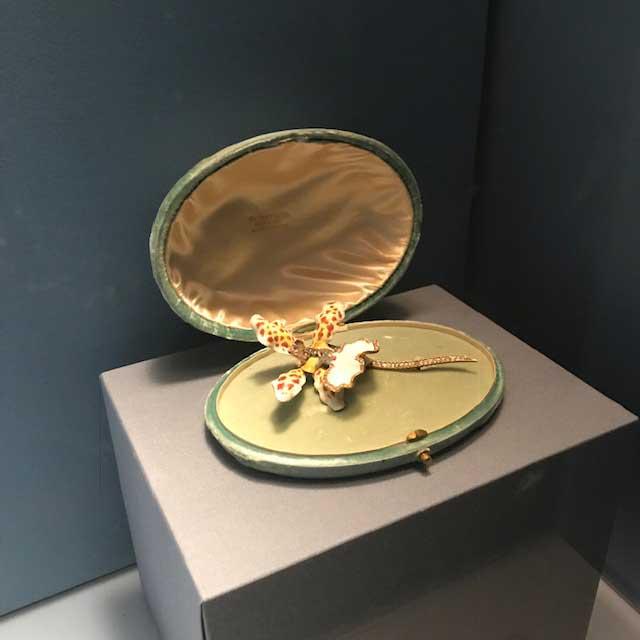 Met jewelry exhibit Paulding Farnham orchid brooch