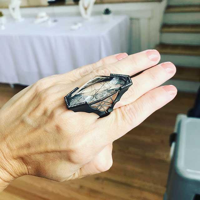 Ricardo Basta quartz ring