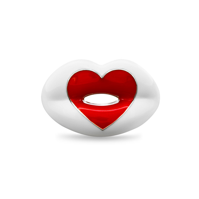 Solange Partridge love heart hotlips ring