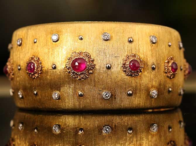 Buccellati gold and ruby cuff